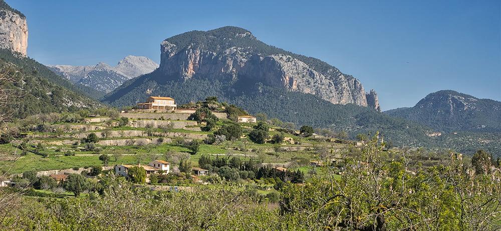 View-to-Alaro-from-Santa-Maria-03-sm